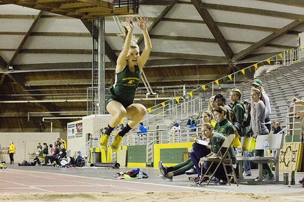 Track & Field team competes in Alabama