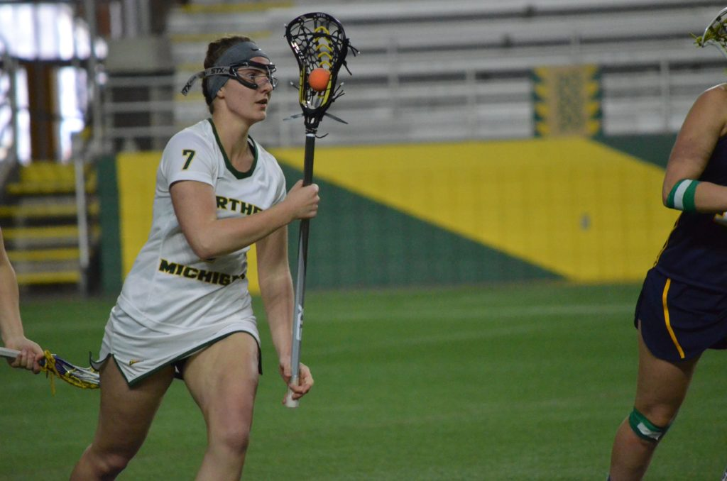 Sophomore+defenseman+Nicole+Smith+juggles+the+ball+this+past+weekend+against+Davenport+University.%0APhoto+by%3A+Emma+Case