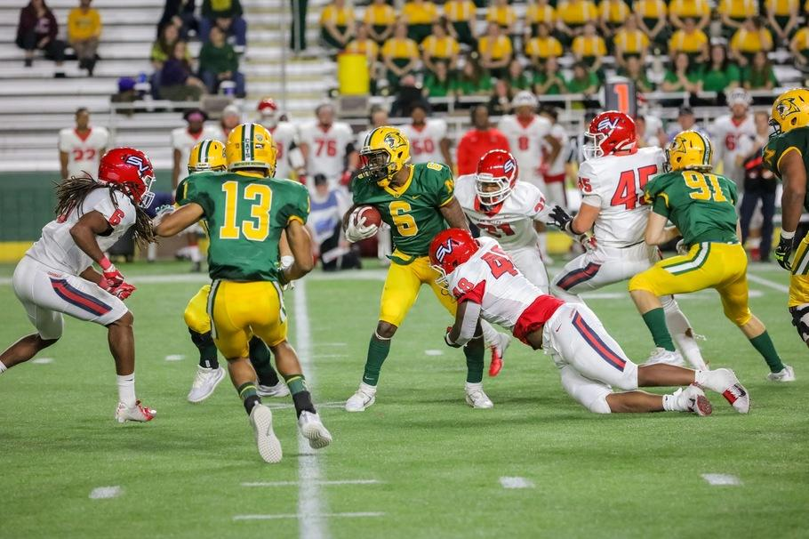 %0ASEASON+FINALE%E2%80%94Redshirt+freshman+running+back+Sebastian+Toland+carries+the+ball+against+Saginaw+Valley+State+University+on+Saturday%2C+Nov.+9+in+the+second-to-last+game+of+the+season+for+the+Wildcats.+Photo+courtesy+of+NMU+Athletics
