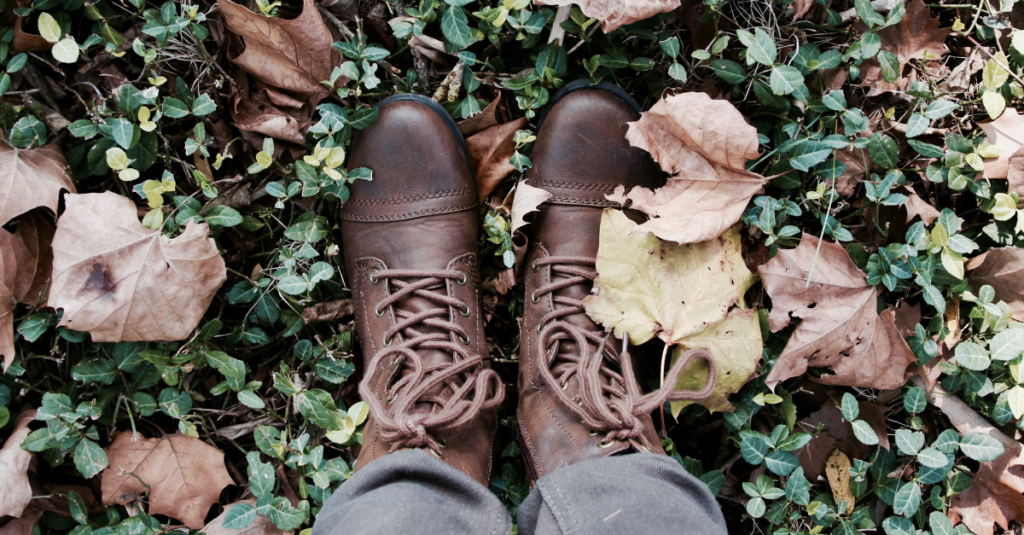 Get up and rake some lawns Oct. 24. Students and volunteers will be raking lawns to help out the community and gain valuable community service hours. Photo courtesy of Melanie Kreutz on Unsplash