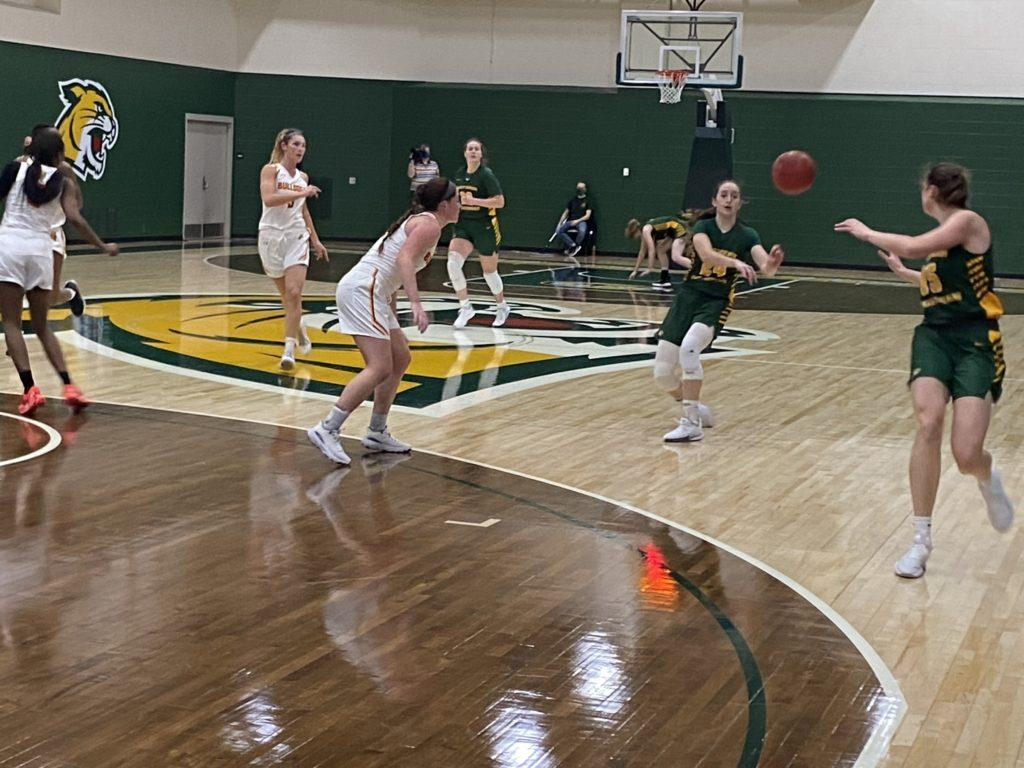 PLAYER OF THE WEEK—Makaylee Kuhn of NMU Womens Basketball has earned GLIAC North Player of the Week honors. The sophomore guard averaged 23.5 points per game in NMUs series against Ferris State this past weekend. Travis Nelson/NW