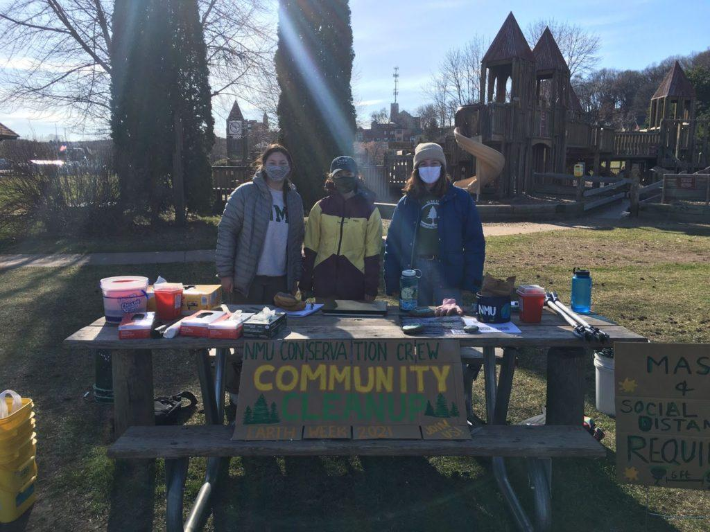 Photo courtesy of NMU Conservation Crew  COMMUNITY CLEANUP—On Saturday April 17, NMUs Conservation Crew pitched in to help clean up Lower Harbor Mattson Park. The cleanup was apart of the 2021 Earth Week celebration.