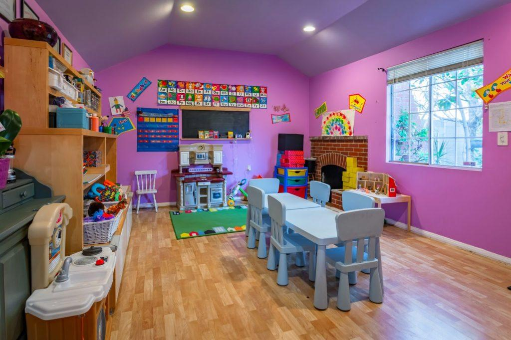 Photo+courtesy+of+Saphira+Howell%0A%0AWEECARE+WONDERLAND%E2%80%94WeeCare%2C+a+childcare+company%2C+is+partnering+with+NMU+to+help+achieve+the+goal+of+providing+affordable+and+convenient+childcare+to+students+and+faculty.+WeeCare+helps+families+in+need+of+childcare+by+placing+their+children+in+facilities+that+already+exist.+If+there+is+a+shortage%2C+WeeCare+itself+will+work+with+members+of+the+community+to+help+them+start+their+own+daycares+and+childcare+facilities+in+order+to+open+up+availability+in+childcare.