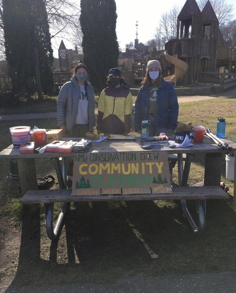 Community+cleanup+for+Earth+Day