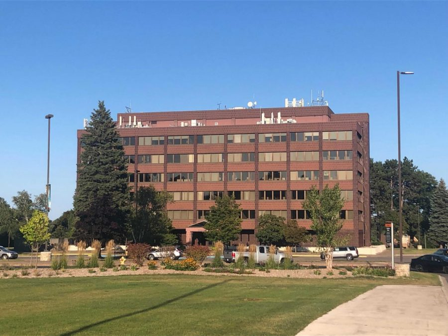 CONTRACT MEDIATION—The faculty union at NMU, NMU-AAUP, are still working without a contract. Recently the union responded to a clarification email sent out by President Fritz Erickson.