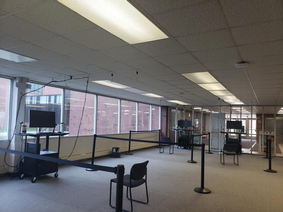 Virtual reality stations in the library are available for students, faculty and staff but are left largely unused. The library is looking to increase awareness about their virtual reality devices and various ways students can use them to fit their interests.